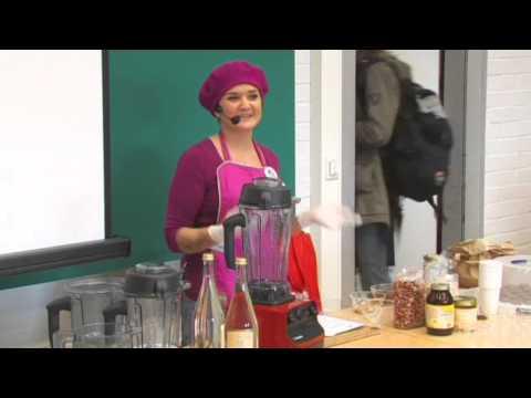 Melanie M. Holzheimer: Gourmet-Rohkost mit dem Vitamix Teil 1