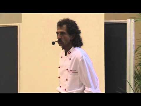 Dr. Urs Hochstrasser: Die hohe Schule der Rohkost - La Haute Cuisine Crue