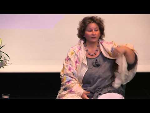 1/4: Anna Lazlo: Tieftrance mit globalen Fragen und Tieftrancen-Healing